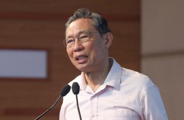 钟南山:正在研发针对变异毒株的新冠疫苗