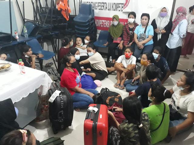 巴淡岛警方突袭以提供家庭助理为名的非法劳工庇护所