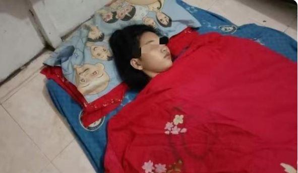 """现代""""睡美人"""" :马辰少女车祸后嗜睡 最长连睡13天不醒"""