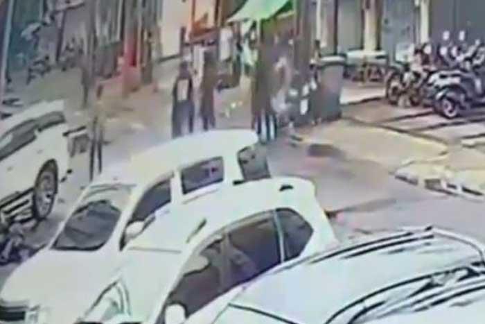 机动警察部队(Brimob)成员被不明身份人士殴打致死
