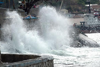 印尼气象局呼吁东努沙登加拉省保持警觉!将会有极端天气来袭!
