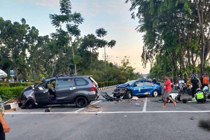 坤甸丹戎普拉大学环绕路口发生连环撞交通事故,一人死亡!