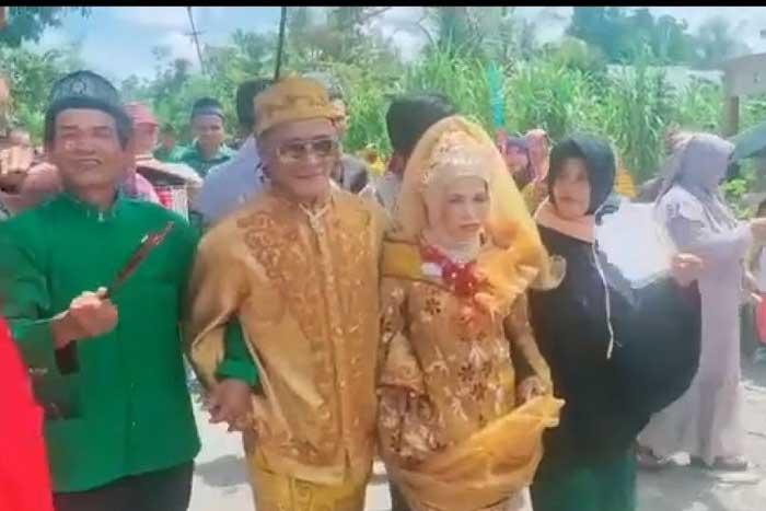 爱情不分年龄,老年婚姻震撼整村!