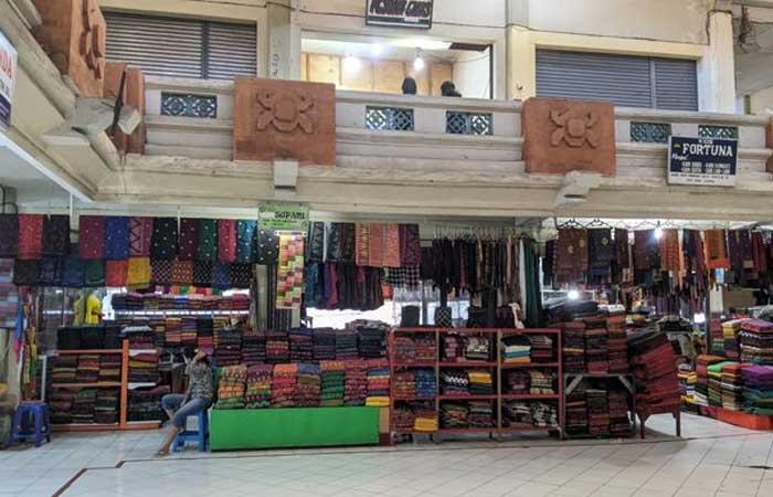 受社区活动限制影响,布料商承认他们的商品根本卖不出去