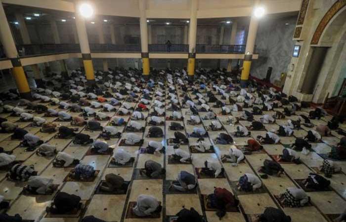 巨港市伊斯兰学者要求可以在清真寺进行宰牲节礼会