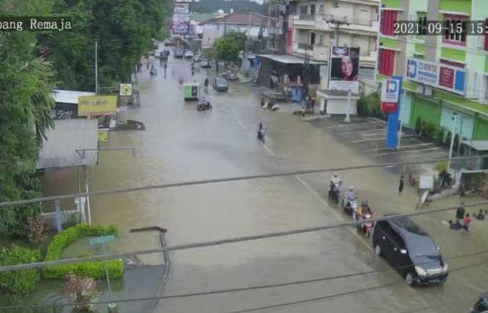 只下了2个半小时的雨,这个城市24个地区又(再次)被淹
