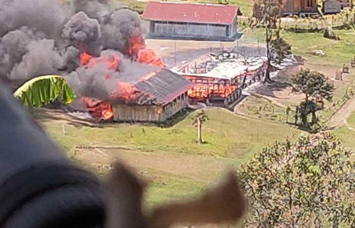 激烈枪战发生在巴布亚的 Bintang 山脉
