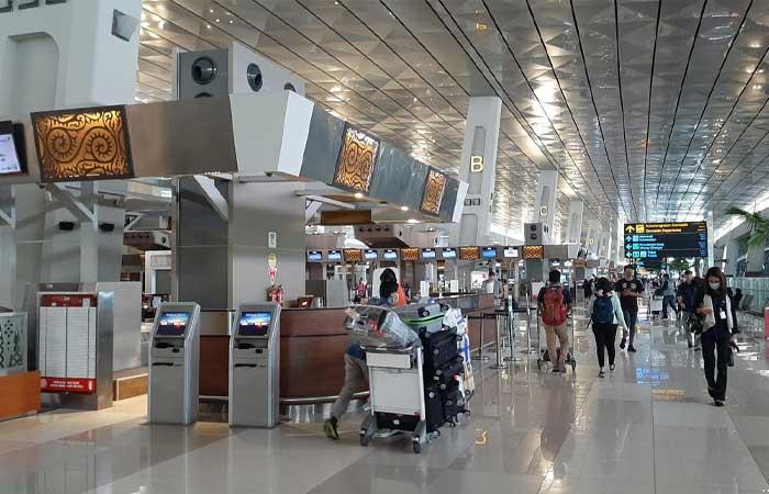 慢慢开始恢复,苏加诺-哈达国际机场每天客流量达。。